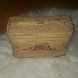 New Vintage Travle bag and make up bag set